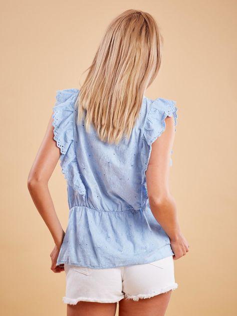 Jasnoniebieska haftowana bluzka z marszczeniem                              zdj.                              2