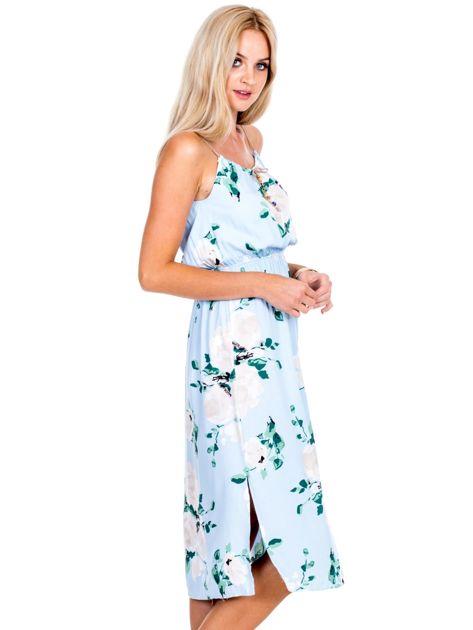 Jasnoniebieska sukienka w kolorowe kwiaty                              zdj.                              3