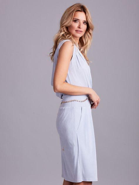Jasnoniebieska sukienka z dekoltem na plecach                              zdj.                              3