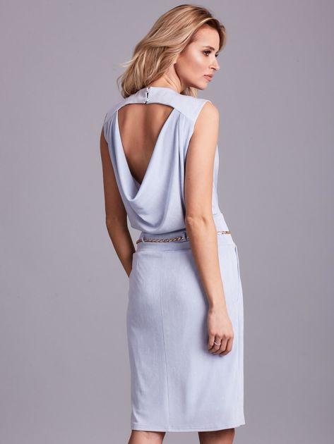 Jasnoniebieska sukienka z dekoltem na plecach                              zdj.                              2