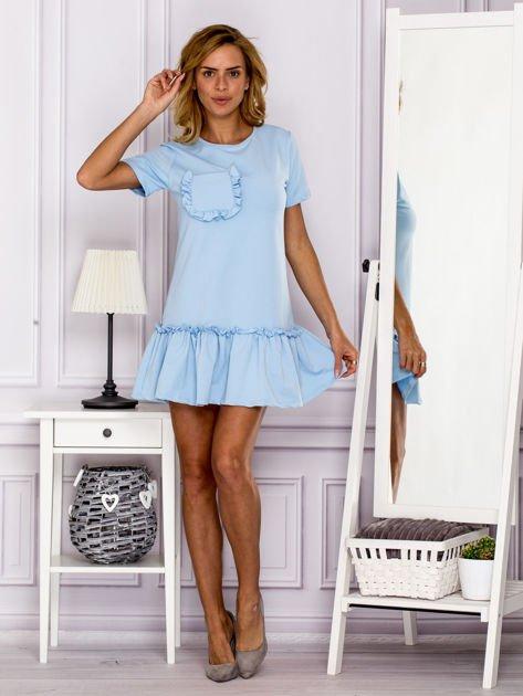 Jasnoniebieska sukienka z falbaną                              zdj.                              4