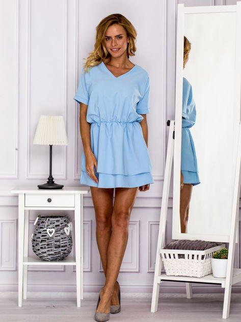 Jasnoniebieska sukienka z gumką w pasie                                   zdj.                                  4