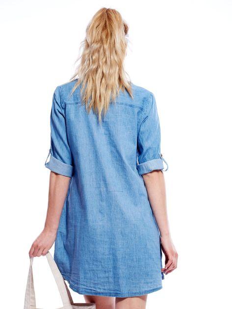 Jasnoniebieska sukienka z kołnierzykiem                              zdj.                              2