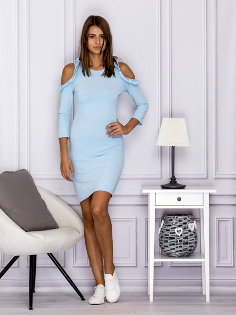 Jasnoniebieska sukienka z wycięciami na ramionach                              zdj.                              4