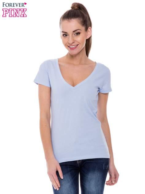 Jasnoniebieski basicowy t-shirt z dekoltem w serek                                  zdj.                                  1