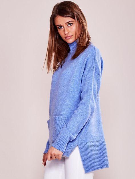 Jasnoniebieski luźny sweter z golfem                              zdj.                              3