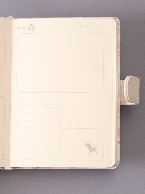Jasnoniebieski notes z nadrukiem                              zdj.                              3