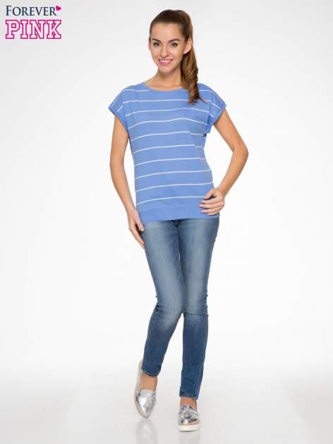 Jasnoniebieski t-shirt w paski                                   zdj.                                  4