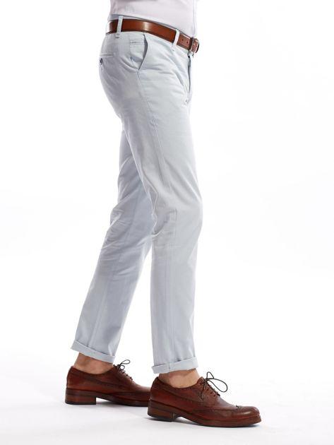 Jasnoniebieskie bawełniane spodnie męskie                               zdj.                              4