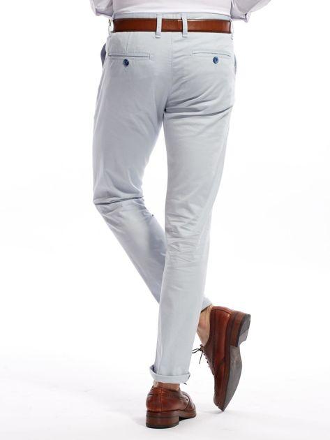 Jasnoniebieskie bawełniane spodnie męskie                               zdj.                              5