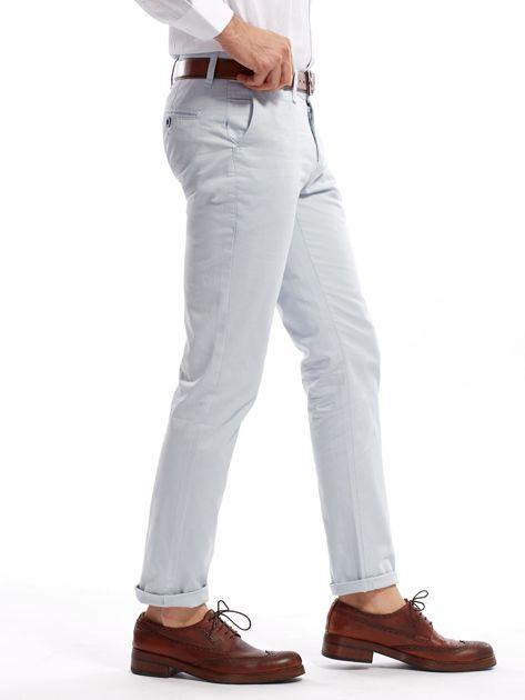 Jasnoniebieskie bawełniane spodnie męskie                               zdj.                              7