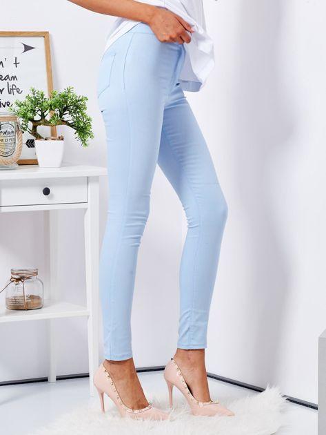 Jasnoniebieskie dopasowane spodnie high waist                              zdj.                              5