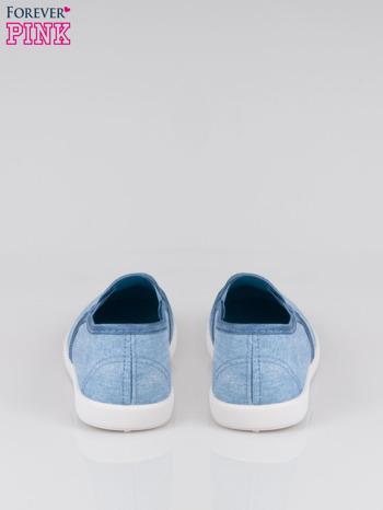 Jasnoniebieskie jeansowe buty slip on                                  zdj.                                  3