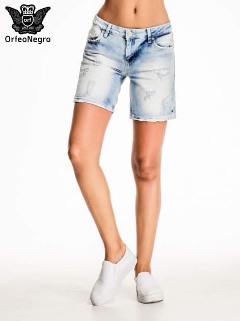 Jasnoniebieskie jeansowe szorty z dłuższą nogawką                                  zdj.                                  3