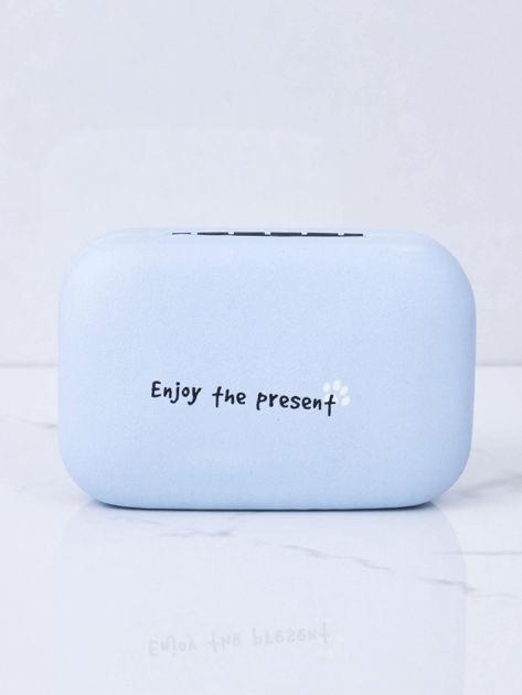 Jasnoniebieskie pudełko na szkła kontaktowe                              zdj.                              8