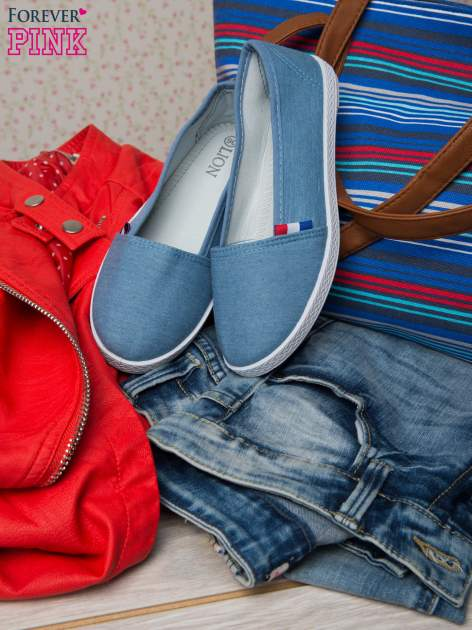 Jasnoniebieskie sliponki baleriny z jeansu material Relax                                  zdj.                                  1