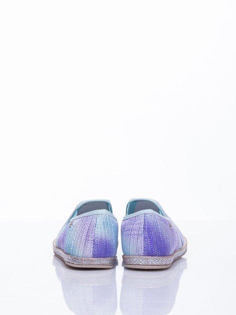 Jasnoniebieskie sliponki material Stardust ombre na słomkowej podeszwie                                  zdj.                                  5