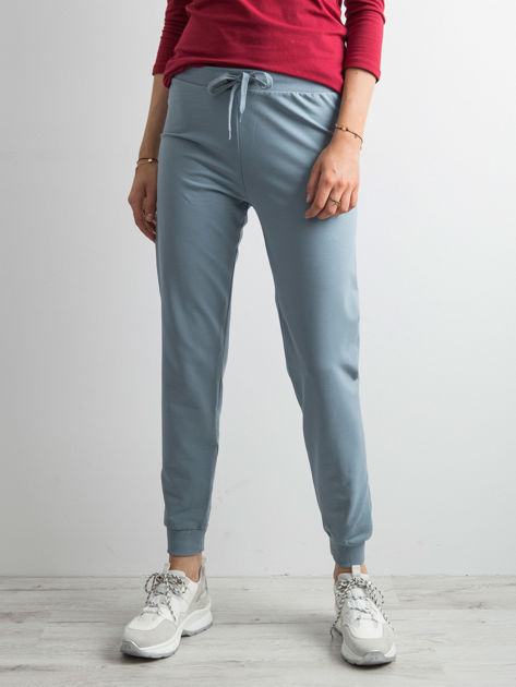 Jasnoniebieskie spodnie dresowe z troczkami                              zdj.                              1