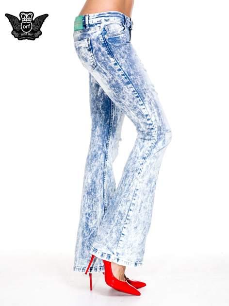 Jasnoniebieskie spodnie jeansowe dzwony typu marmurki                                  zdj.                                  3