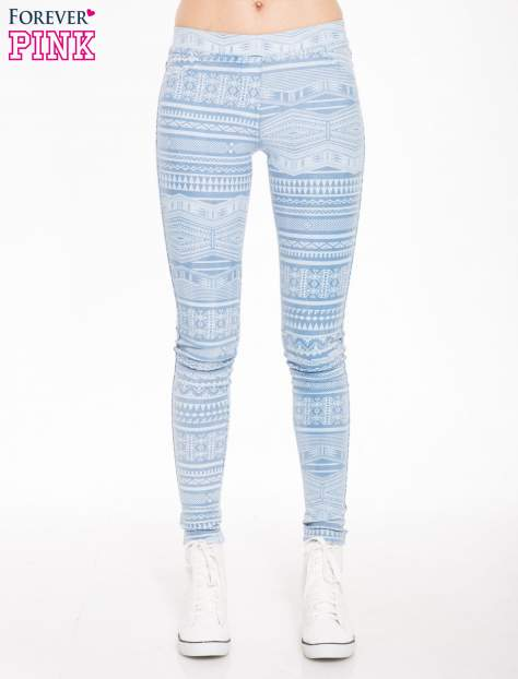 Jasnoniebieskie spodnie jeansowe typu jegginsy w azteckie wzory                                  zdj.                                  1