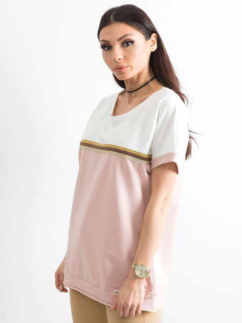 Jasnoróżowa bluzka damska z dekoltem na plecach                              zdj.                              3