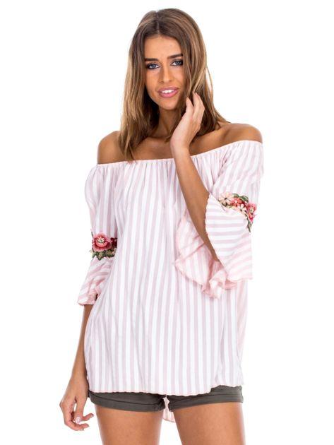 Jasnoróżowa bluzka hiszpanka w paski z kwiatowymi wstawkami                              zdj.                              1