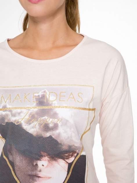 Jasnoróżowa bluzka z napisem MAKE IDEAS HAPPEN                                  zdj.                                  6