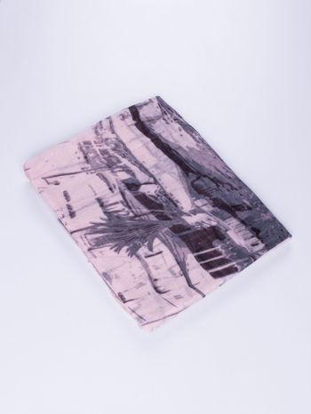 Jasnoróżowa chusta ze wzorem z palmą                                  zdj.                                  2