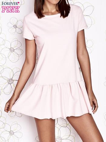 Jasnoróżowa dresowa sukienka z wycięciem na plecach                                   zdj.                                  1