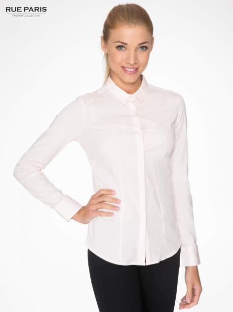 Jasnoróżowa elegancka koszula damska z krytą listwą                                  zdj.                                  1