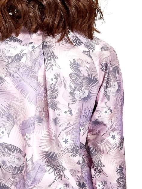 Jasnoróżowa kurtka bomber jacket w tropical print                                  zdj.                                  6