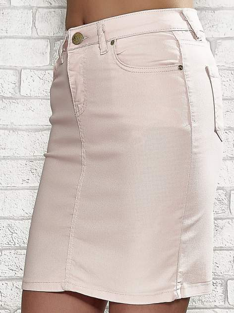Jasnoróżowa spódnica z zapięciem na guzik                                  zdj.                                  5