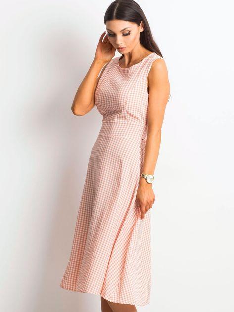 Jasnoróżowa sukienka Respected                              zdj.                              3