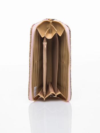 Jasnoróżowy pleciony portfel w paski                                  zdj.                                  4