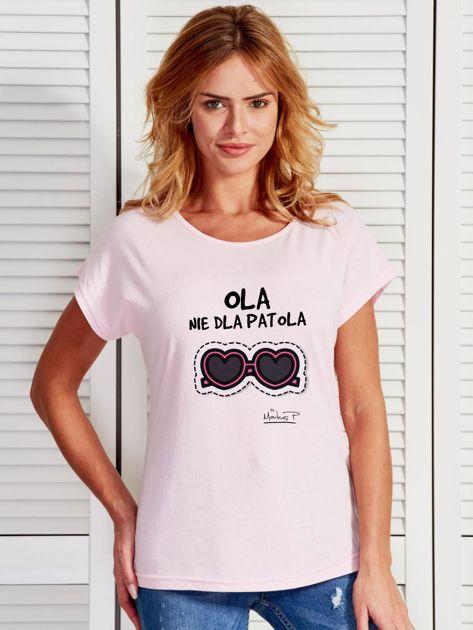 Jasnoróżowy t-shirt damski OLA NIE DLA PATOLA by Markus P                                  zdj.                                  1