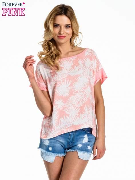 Jasnoróżowy t-shirt z nadrukiem w palmy                                  zdj.                                  1