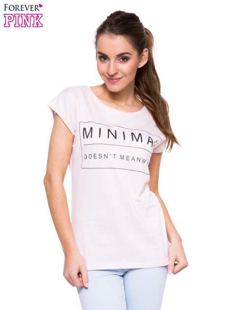 Jasnoróżowy t-shirt z nadrukiem w stylu minimalistycznym
