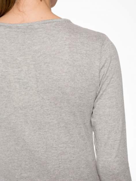 Jasnoszara bawełniana bluzka typu basic z długim rękawem                                  zdj.                                  6