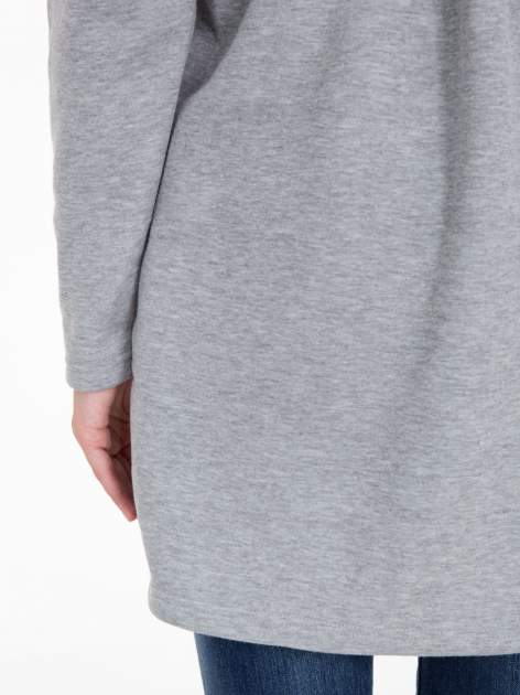 Jasnoszara bluza dresowa z kapturem i suwakiem z boku                                  zdj.                                  11