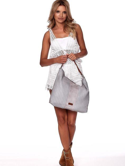 Jasnoszara duża torba z ażurowaniem i odpinanym paskiem                              zdj.                              1