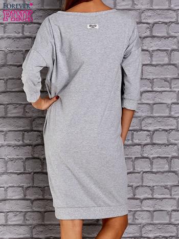 Jasnoszara sukienka oversize ze ściągaczem                                  zdj.                                  4