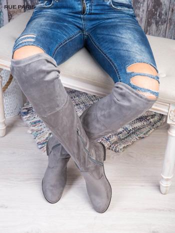 Jasnoszare zamszowe kozaki faux suede za kolana wiązane na sznurek nad kolanem                                  zdj.                                  4