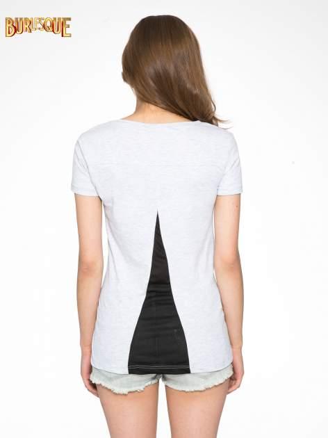 Jasnoszary t-shirt z fotografiami miast                                  zdj.                                  4