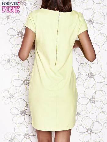 Jasnozielona sukienka dresowa o prostym kroju                                  zdj.                                  4