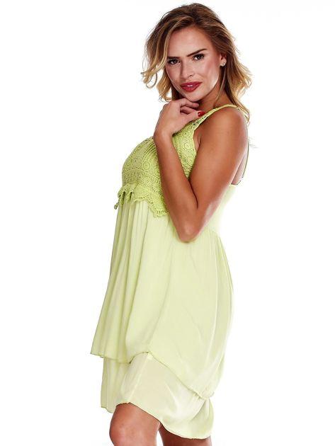 Jasnozielona sukienka na cienkich ramiączkach                              zdj.                              3