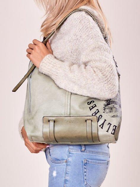 Jasnozielona torba z ćwiekami na pasku i nadrukiem                              zdj.                              5
