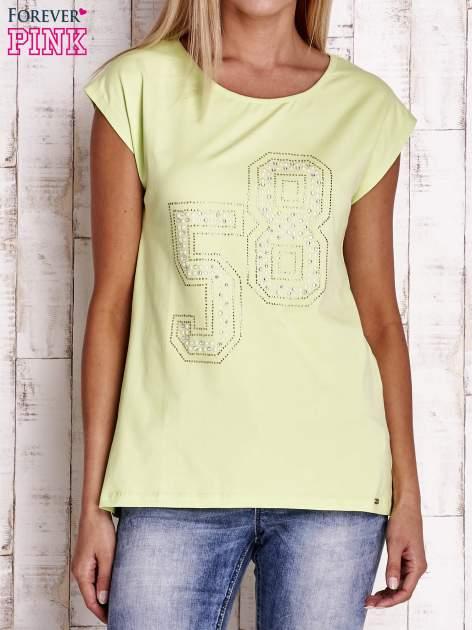 Jasnozielony t-shirt z numerem 58 z dżetów