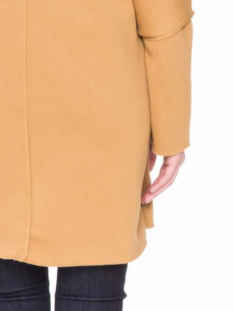 Karmelowa bluza na suwak z kapturem z surowym wykończeniem                                  zdj.                                  8