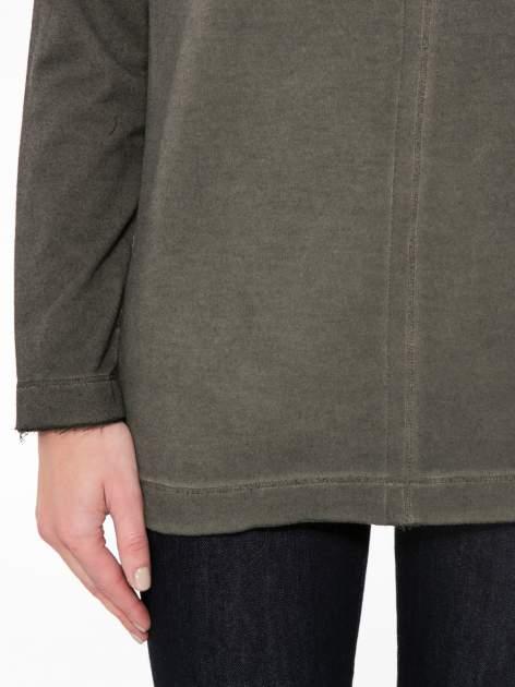 Khaki bluza z surowym wykończeniem i widocznymi szwami                                  zdj.                                  6