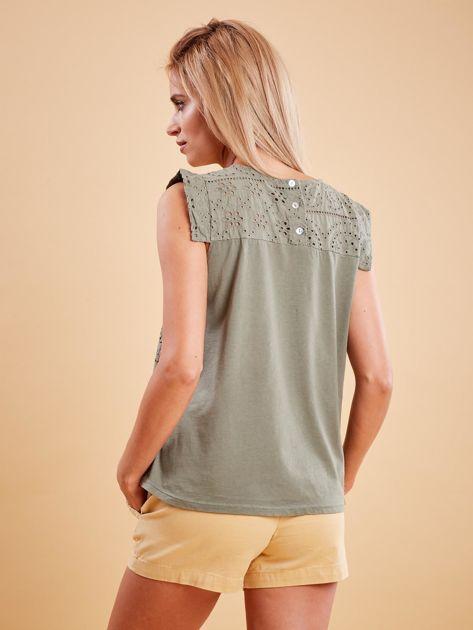 Khaki bluzka z ażurowym wzorem                              zdj.                              2